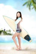 해변의 여인 001