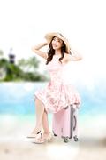 해변의 여인 015