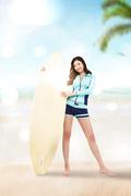 해변의 여인 022
