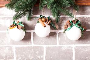 Felt Christmas decorations as a present box