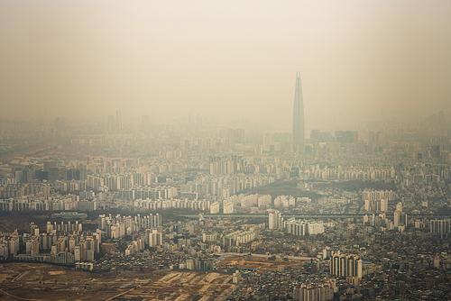 미세먼지 가득한 서울의 도시 풍경