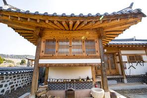한국의 한옥집 아궁이