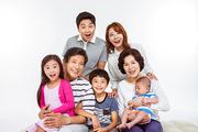 Three Generation Family 118