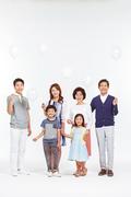 Three Generation Family 071