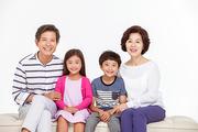 Three Generation Family 098