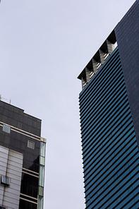 건물 007