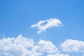 구름 100