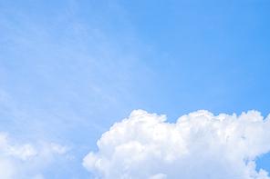 구름 125
