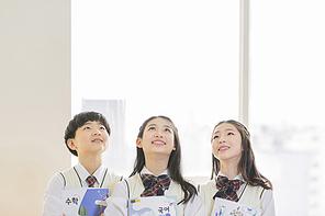 초등학생 224