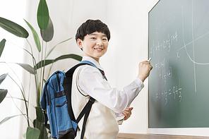 초등학생 225