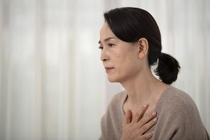 오팔세대 중년여성 통증 006