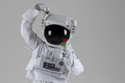 우주 생활 - 장미꽃을 들고 손하트 포즈하는 우주인