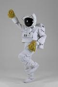우주 생활 - 응원 폼폼을 들고 응원하는 춤추는 우주인