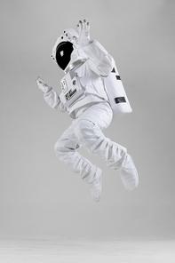우주생활 - 점프하는 우주인
