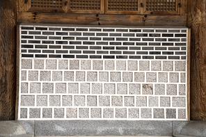 한옥의 벽돌 벽