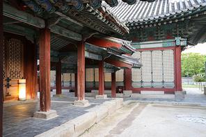 궁궐의 한옥