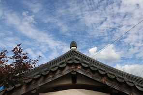 기와 한옥지붕과 처마