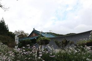 한국 전통 한옥과 절