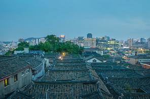 현재와 과거의 공존, 서울